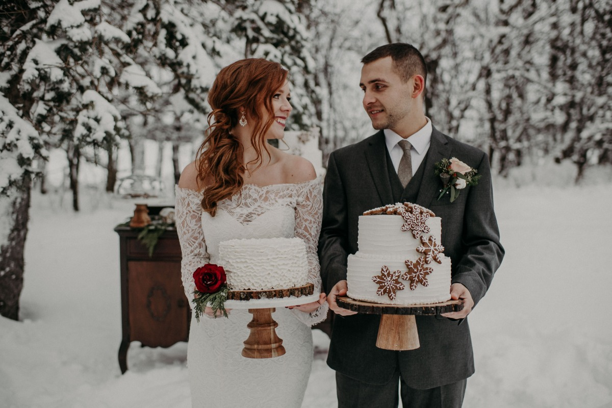 wedding cakes with gingerbread snowflake accents
