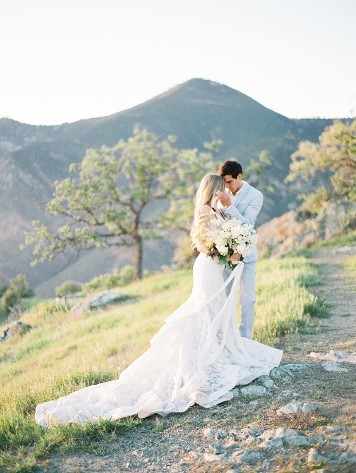 romantic sunset wedding portraits in the California hills