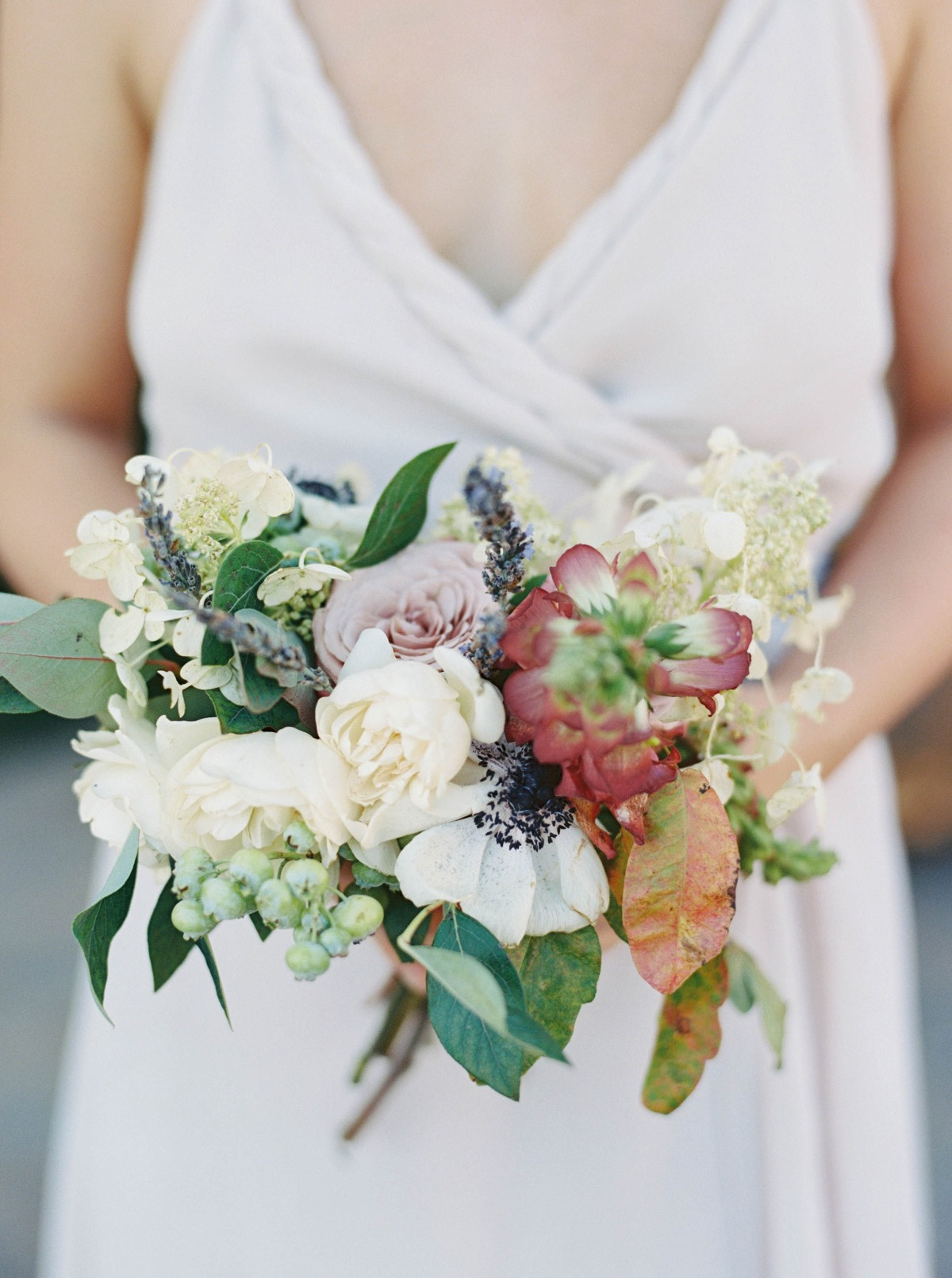 simple and small wedding bouquet
