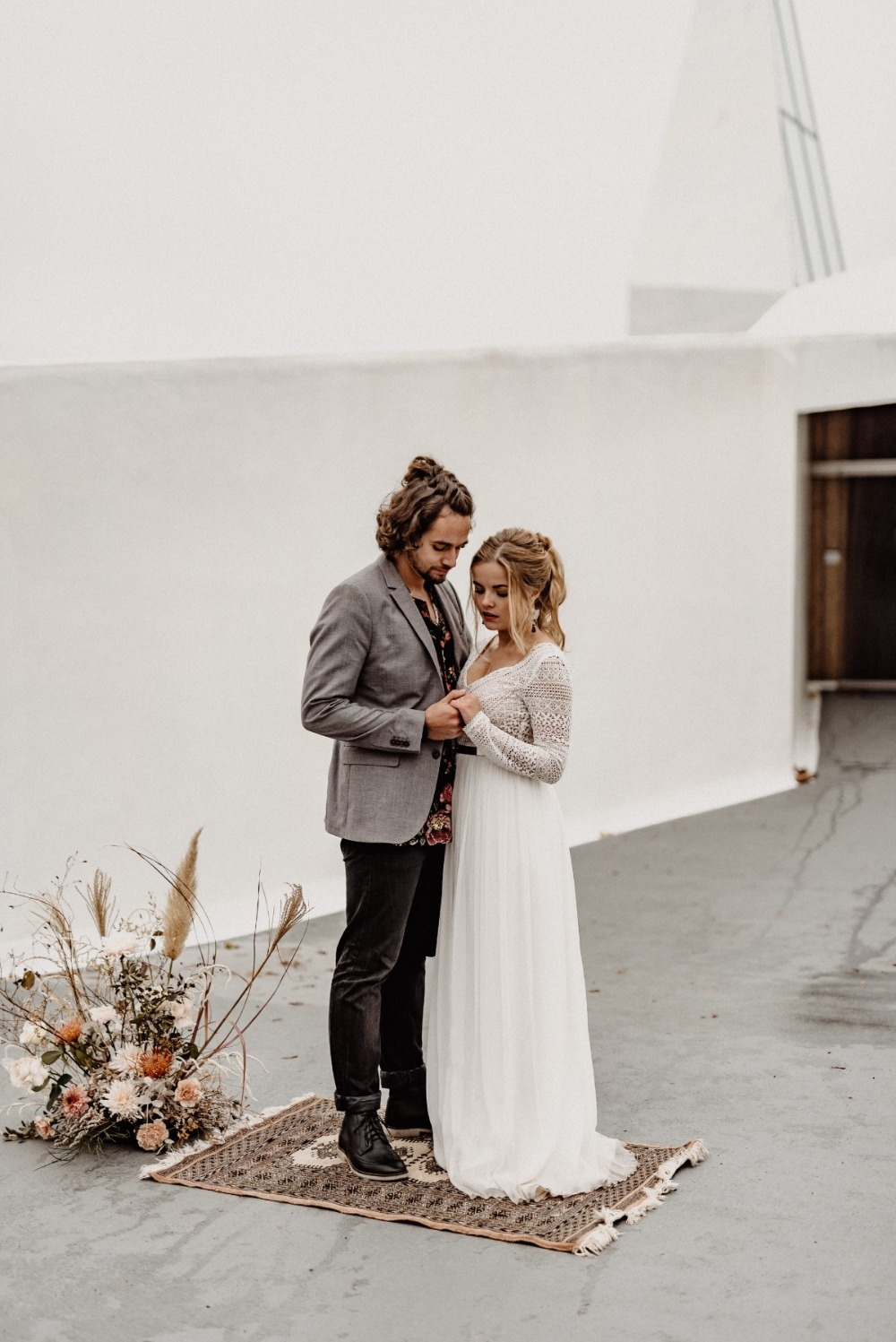 Minimal winter wedding inspiration