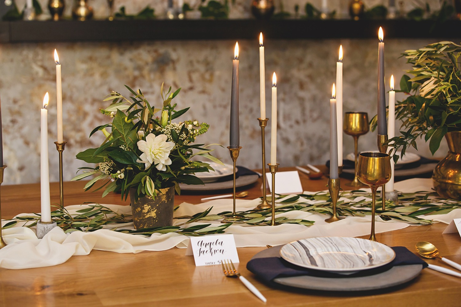 grey, ivory and gold wedding table decor