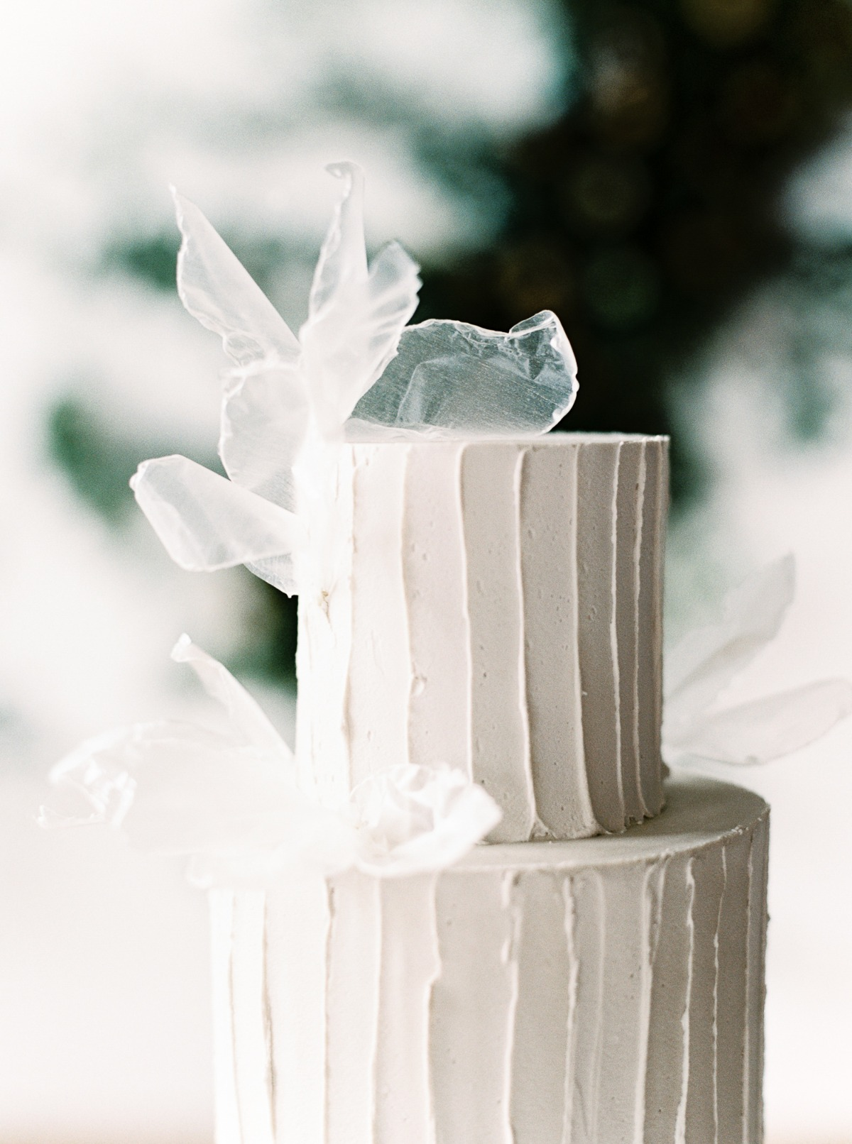 tulle wedding cake accents