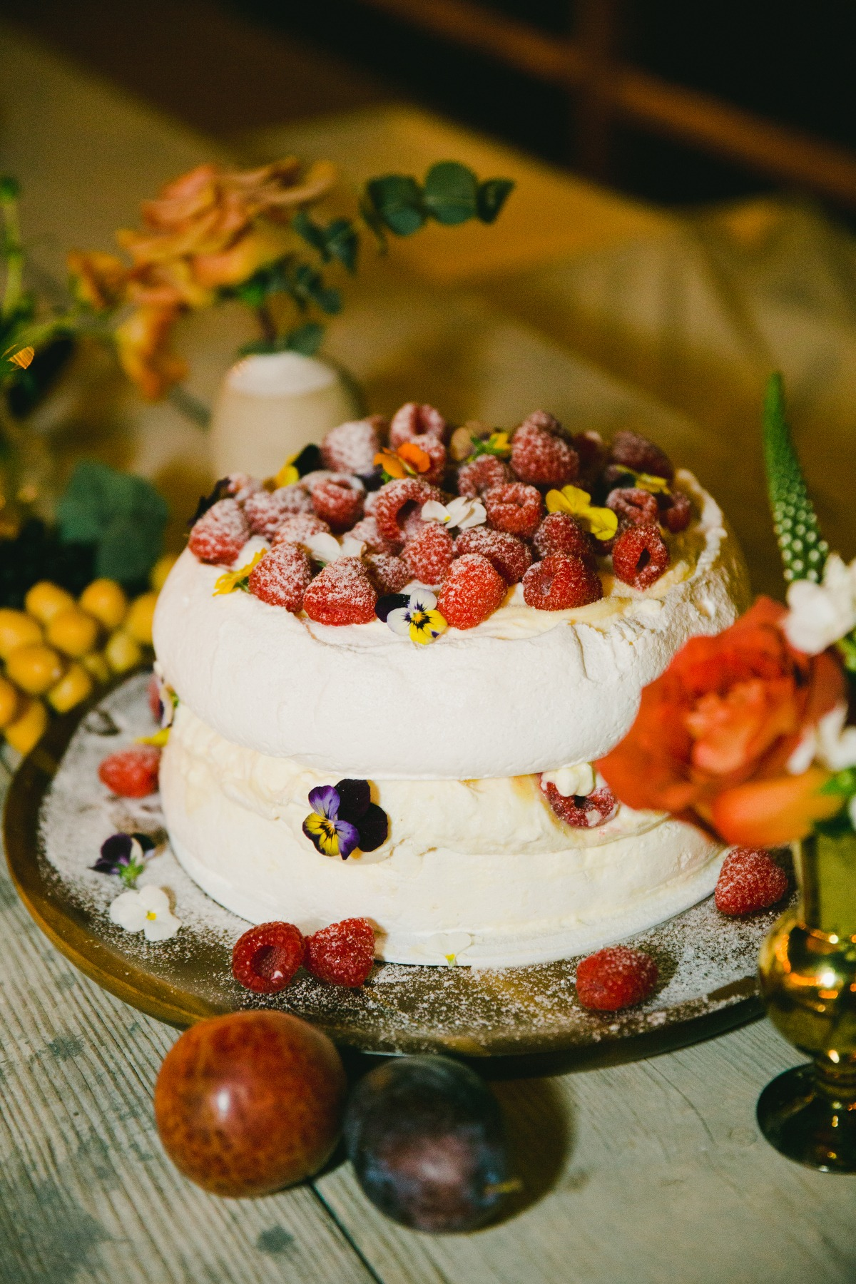 Pavlova with fresh fruit