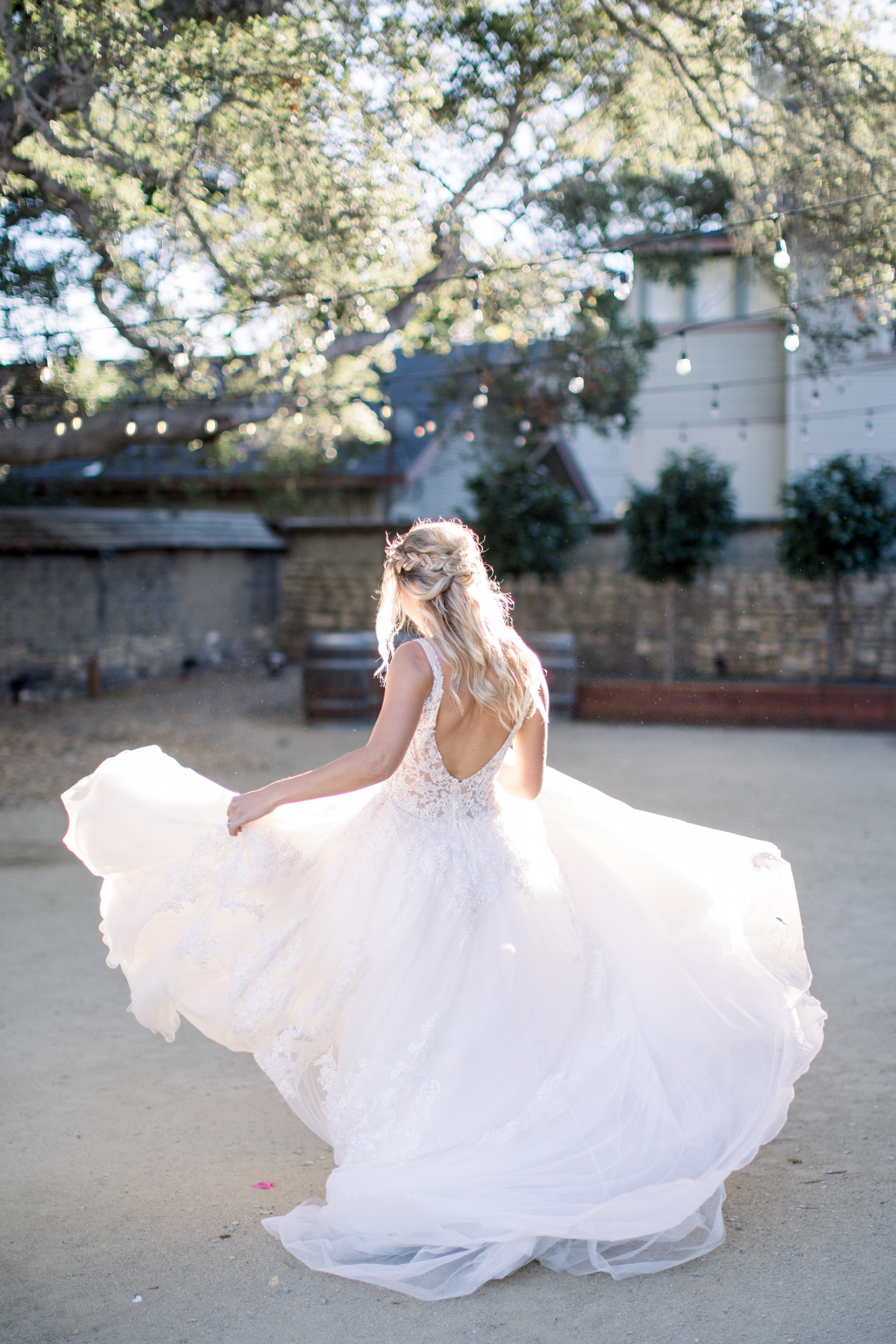 Twirl the wedding dress