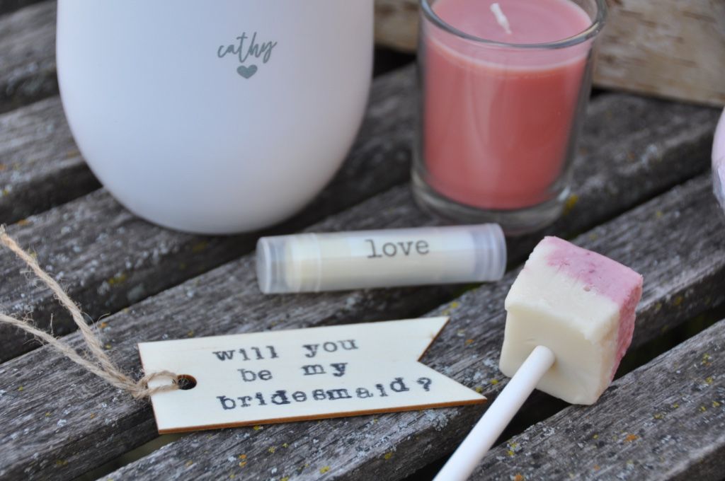 Bridesmaid gift boxes they will love! Customize your wine tumbler, note, candle and lip balm and delight your bestie.