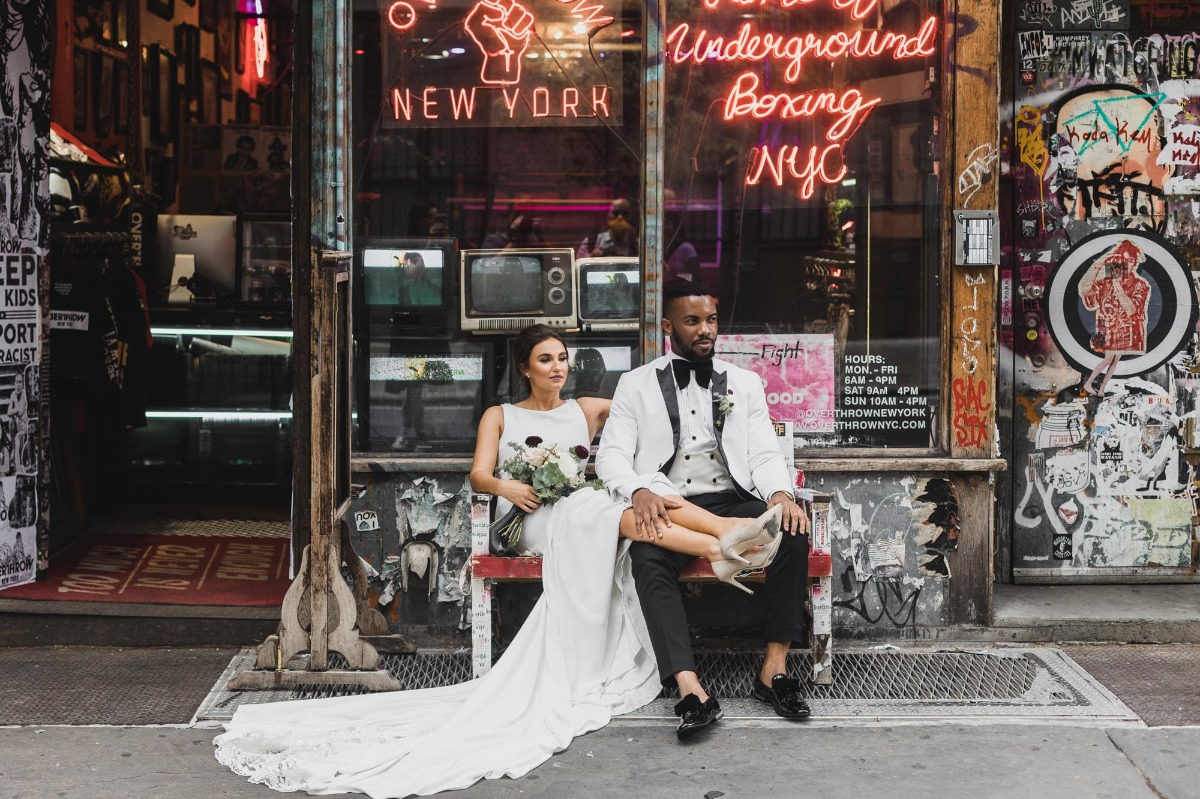 chill wedding photos in NYC
