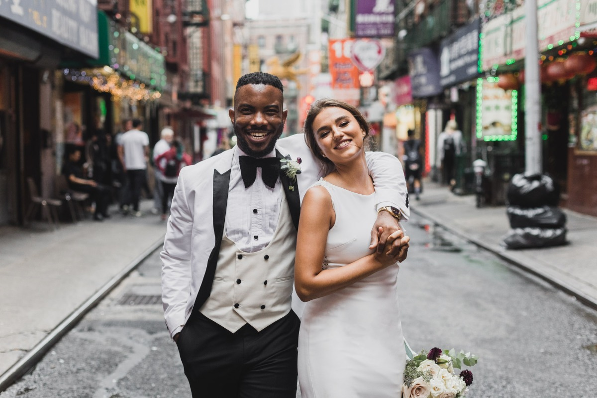wedding couple on the streets of NYC
