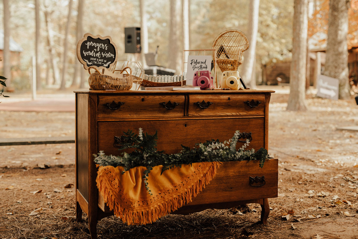 vintage dresser welcome table