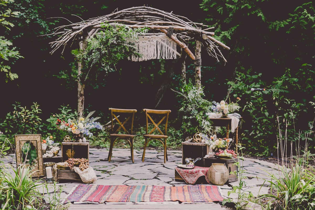 boho inspired wedding ceremony decor