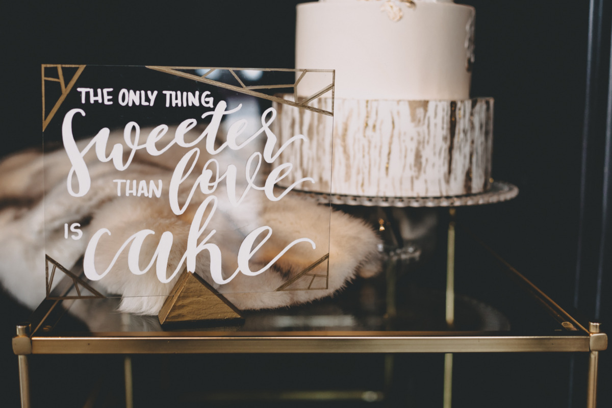 wedding cake table sign