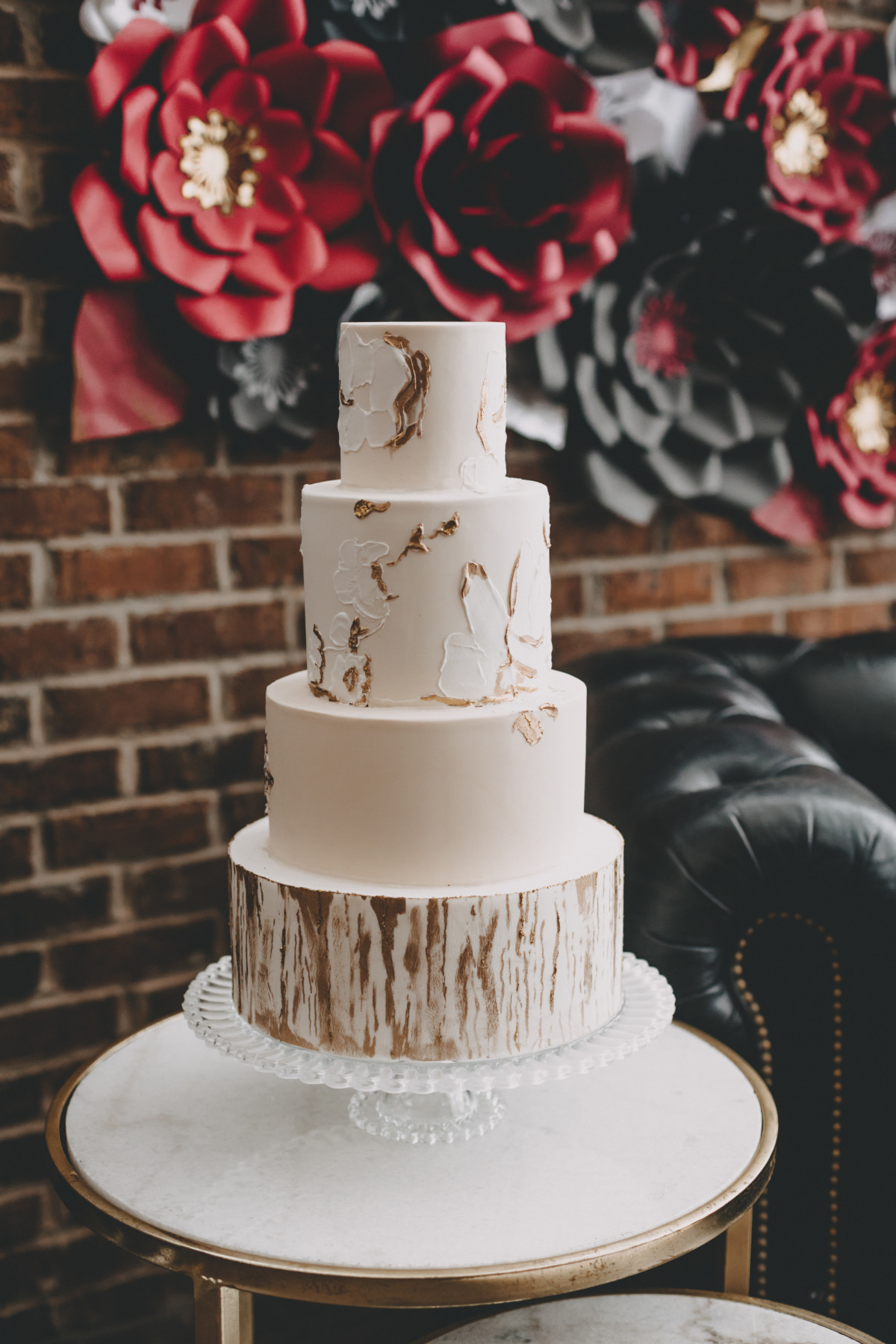 wedding cake in gold and white