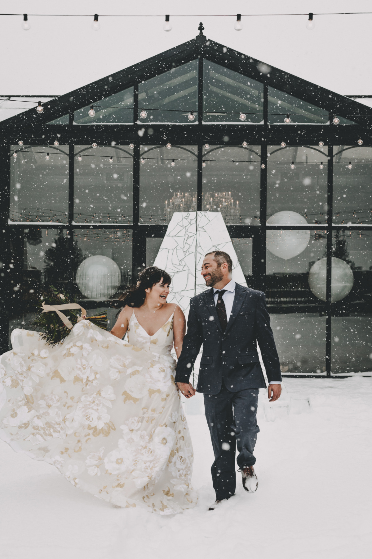 snow day winter wedding