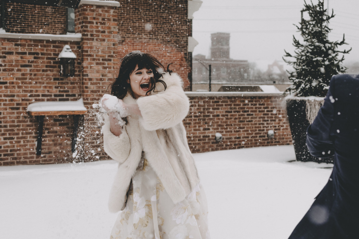 wedding snowball fight