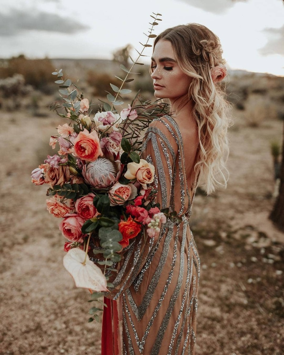 Bride with incredible bouquet