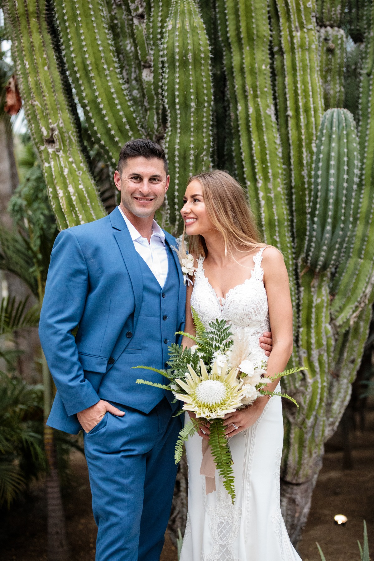 Romantic destination wedding in Cabo