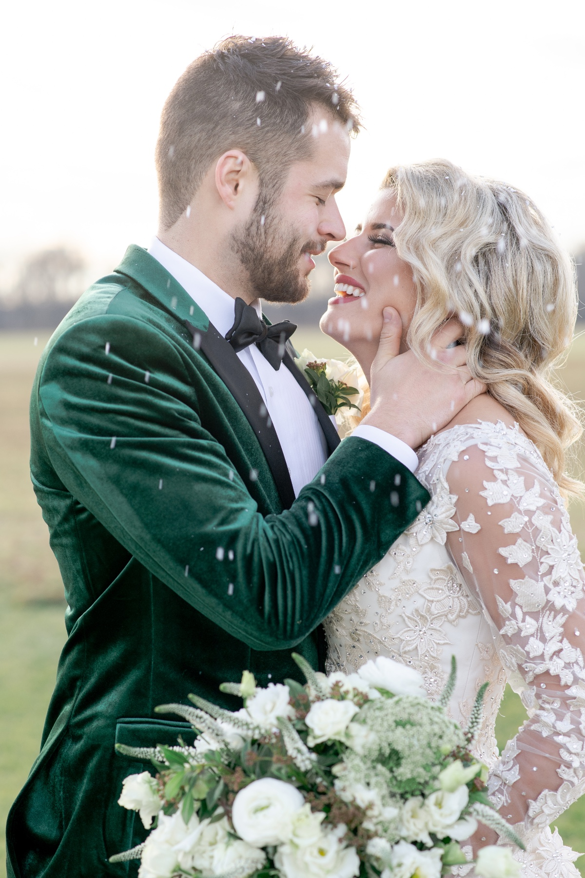 Green and white winter wedding inspiration