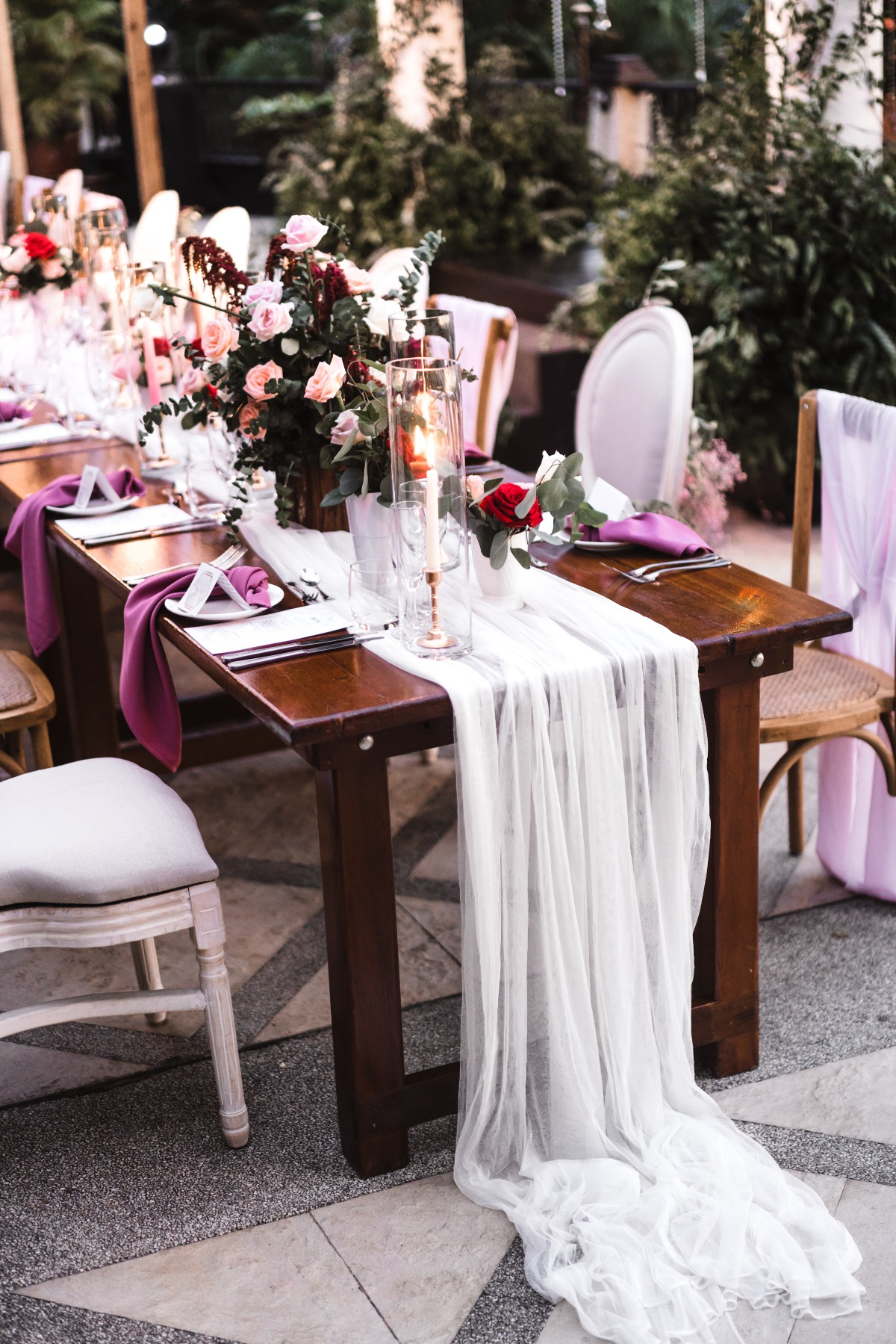 romantic purple and pink wedding table decor