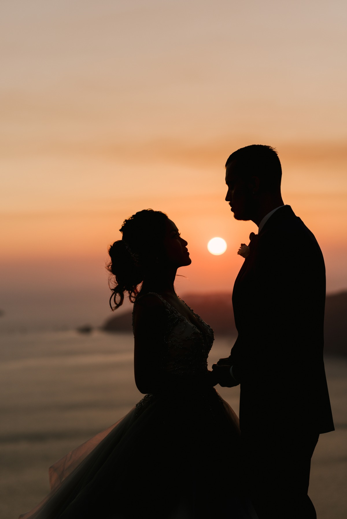 Sunset wedding photo in Greece