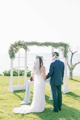 An Elegant Wedding in Greece Next to The Sea