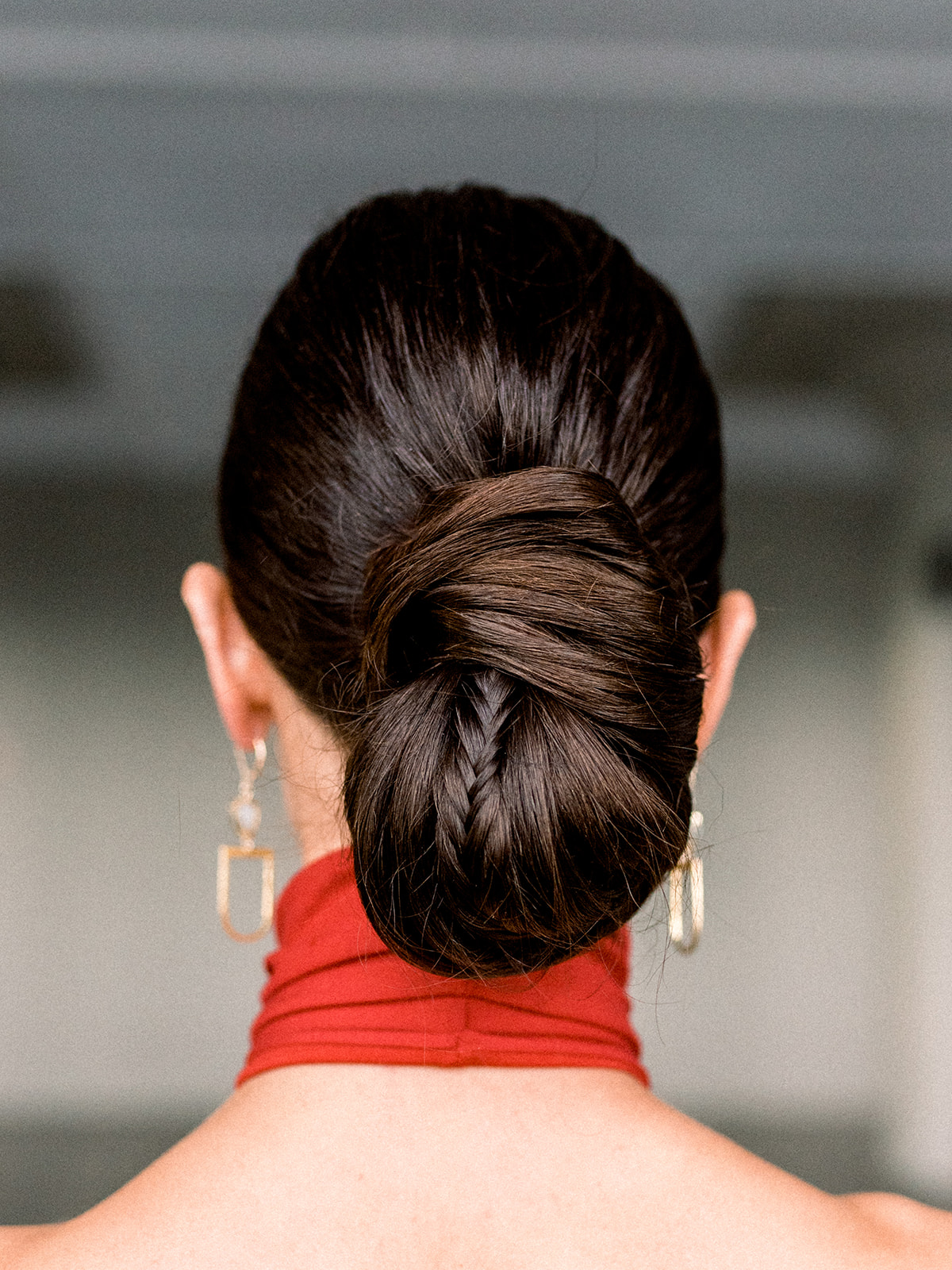 modern updo for your wedding