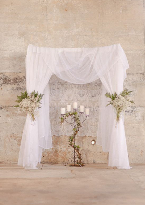 20 Lovely Ceremony Backdrops