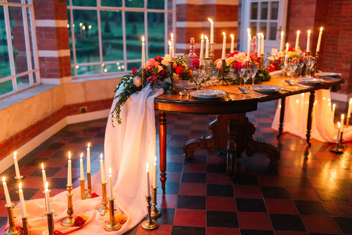candle lit wedding table idea
