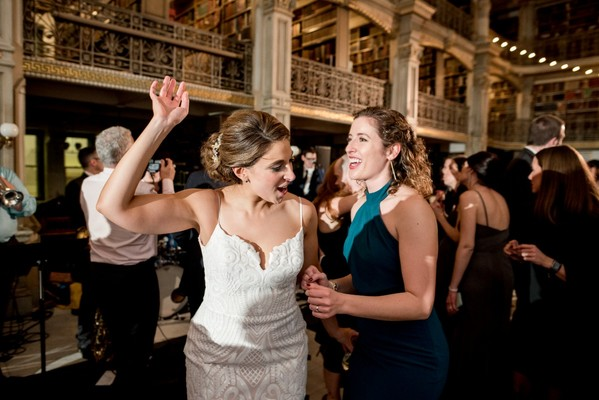 Library Chic Should Definitely Be The Latest Wedding Theme
