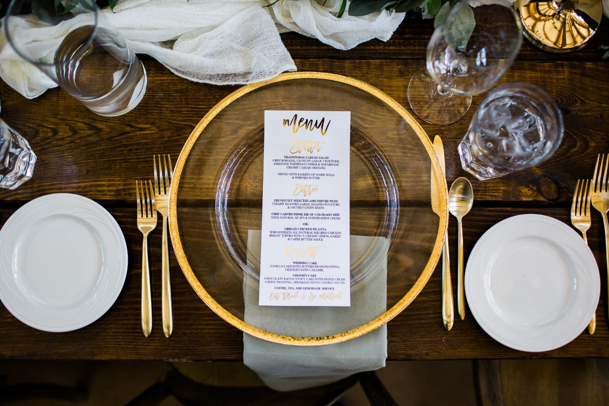 Gold accent place setting
