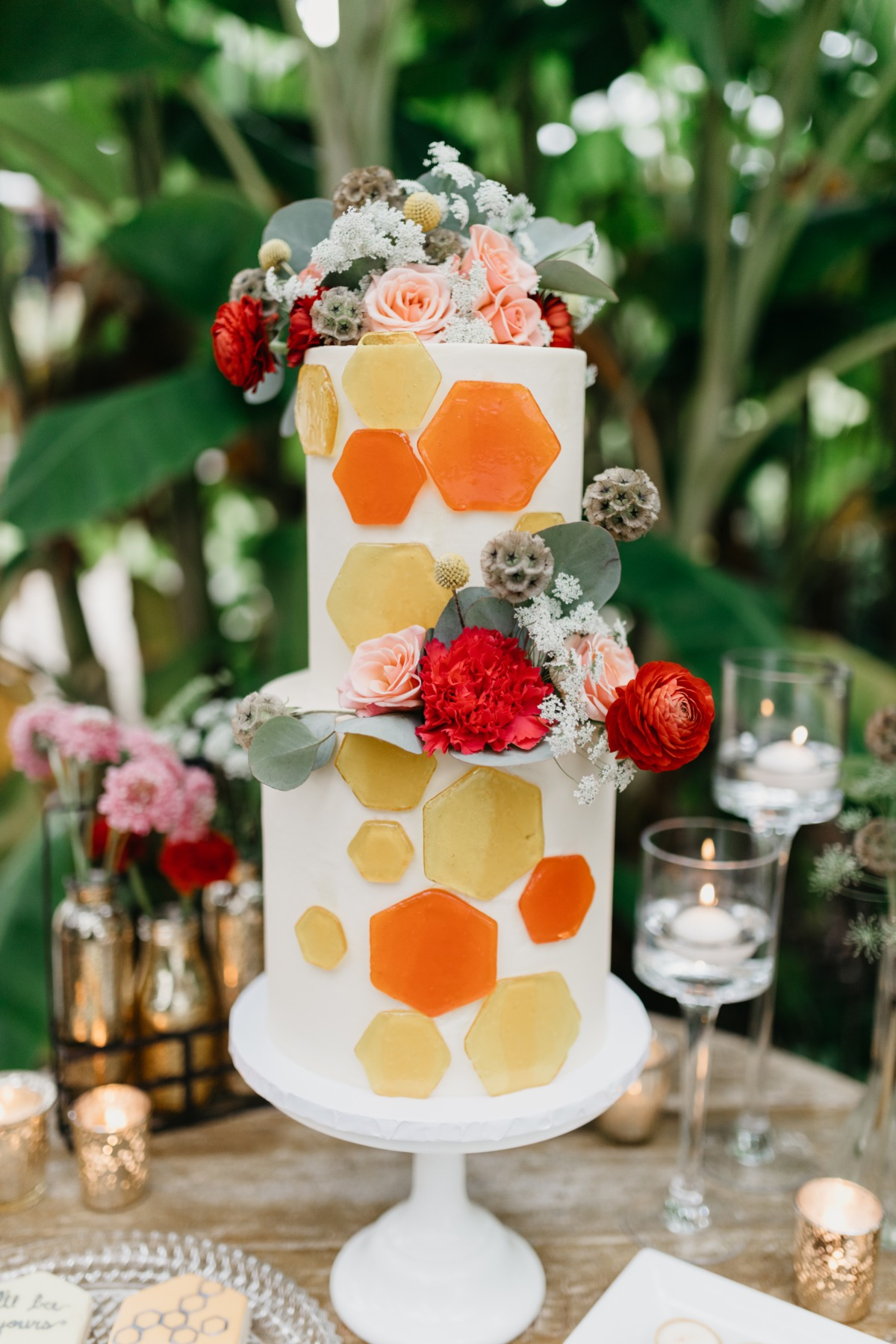 honey bee inspired wedding cake