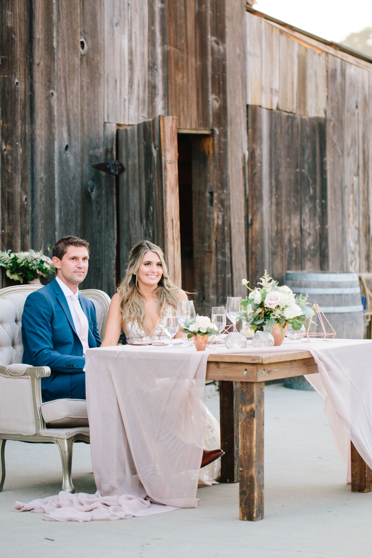 Rustic sweetheart table