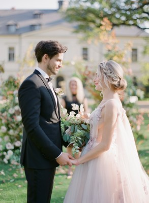 How to Have a Romantic Destination Wedding in the Heart of Europe