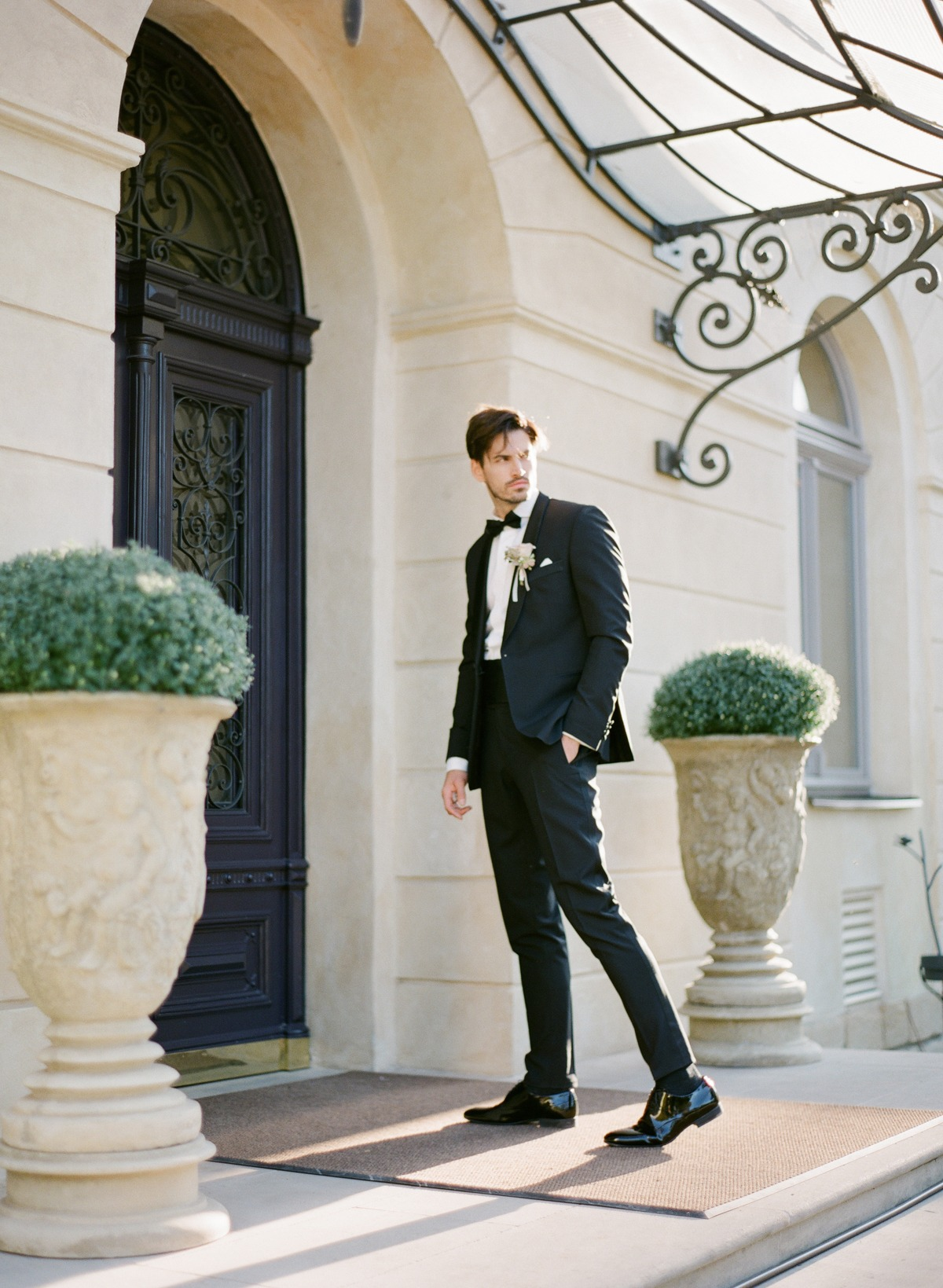 Groom in tux