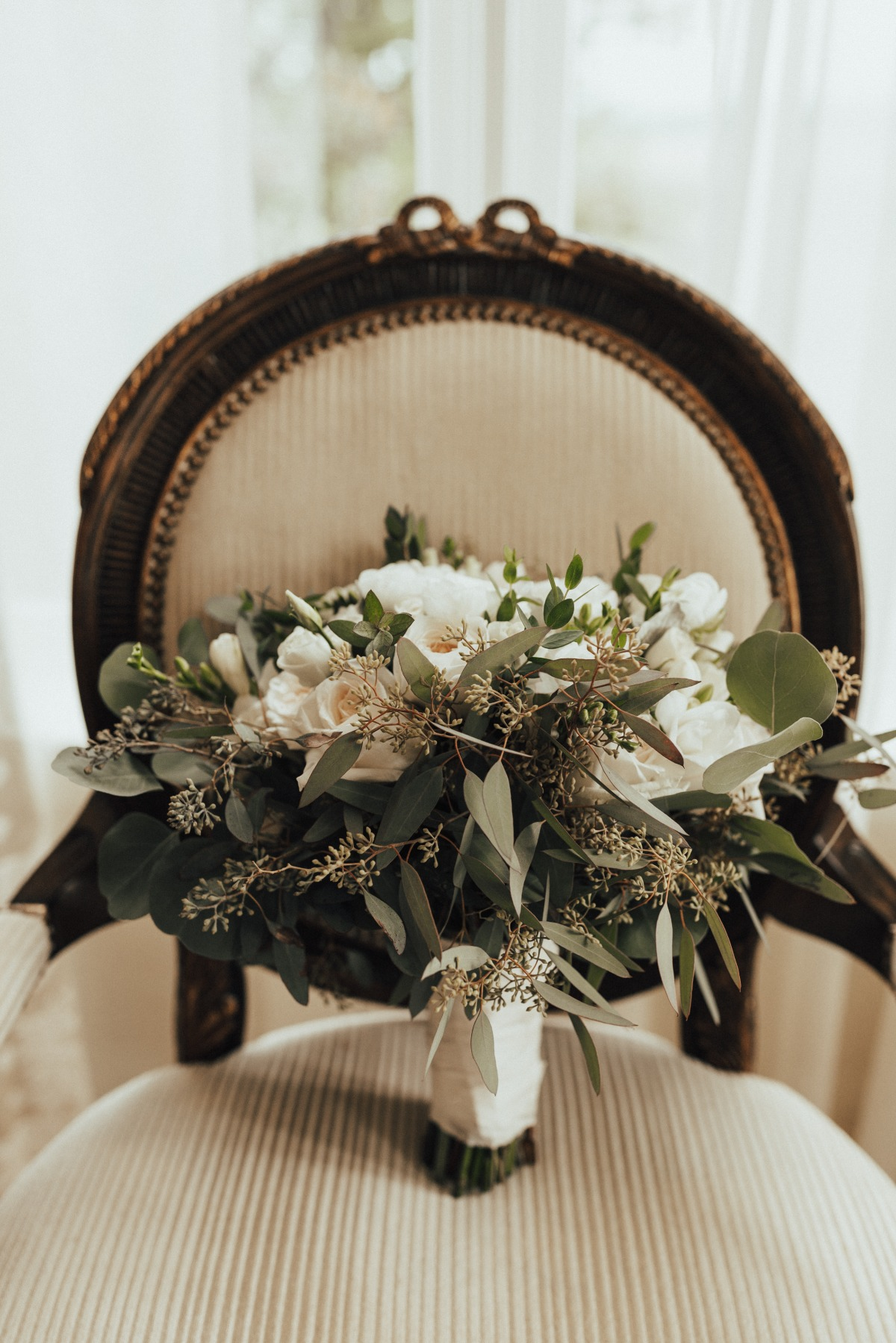 white floral and seeded eucalyptus bouquet
