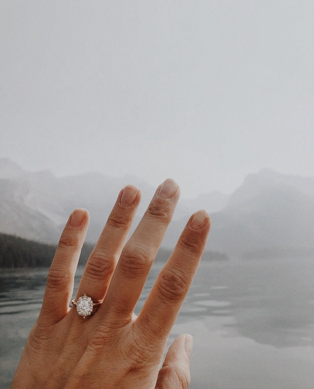 Throwback to this magical mountainous moment. ✨ Don't forget to tag us in your ring selfies so we can share the love!