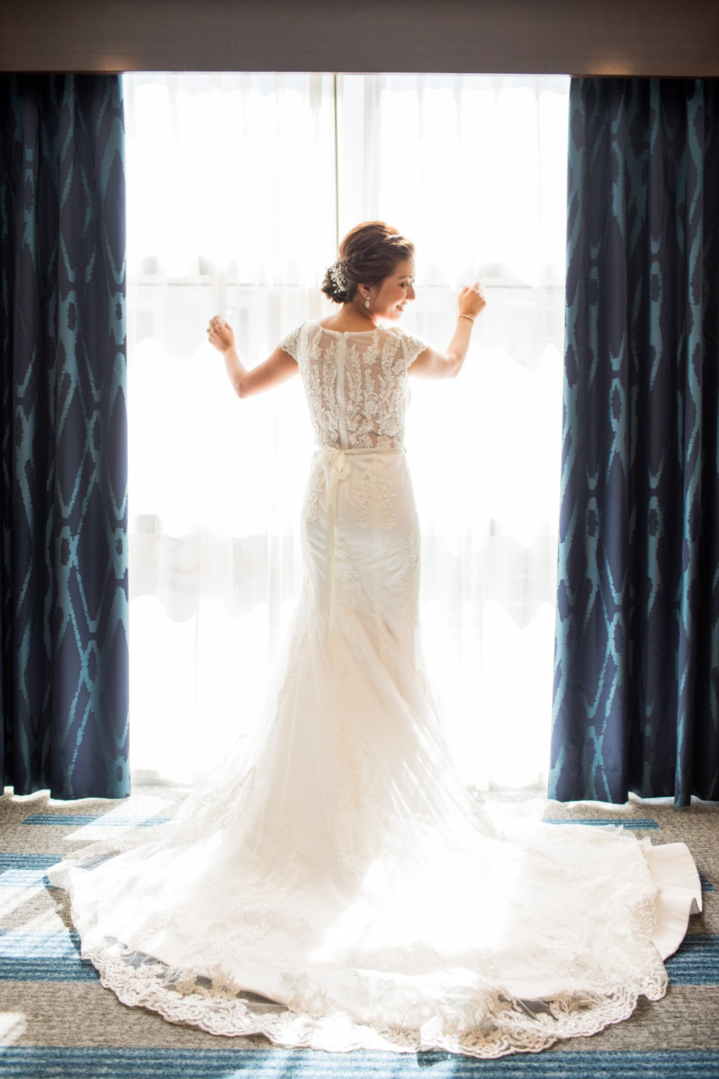 Our bride is ready for her big day! How gorgeous and elegant is this shot by Nathan Nowack Photography?