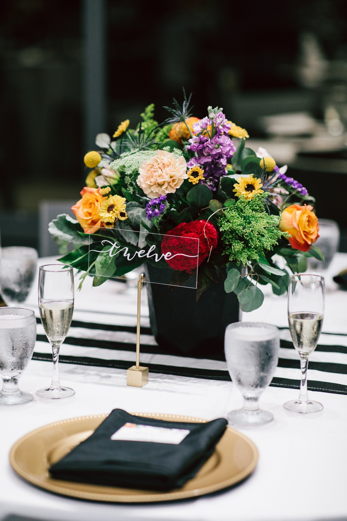 modern wedding table decor idea