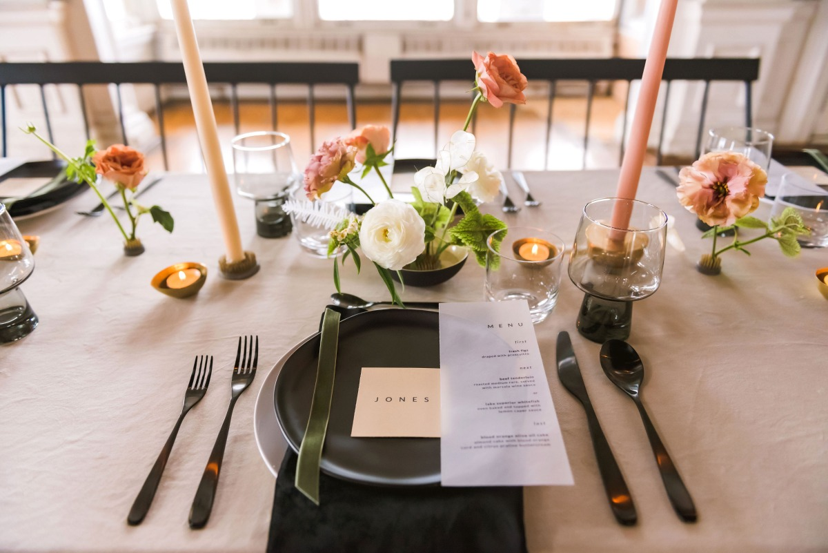 modern chic wedding table decor