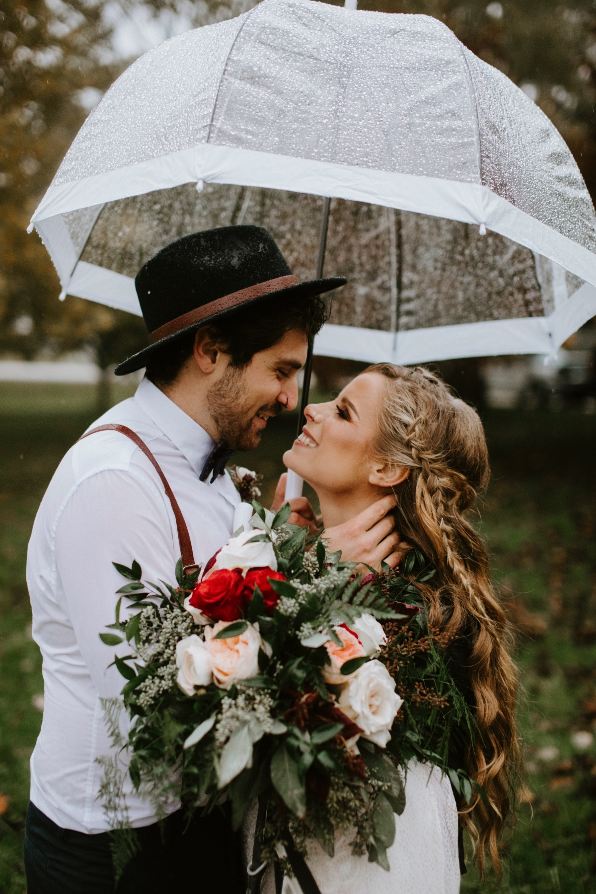 Moody wedding inspo in the rain