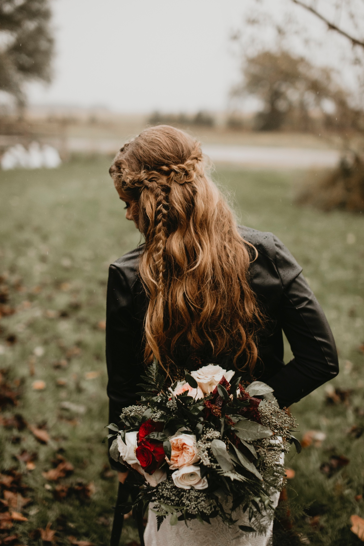 Boho bride wedding hair and bouquet