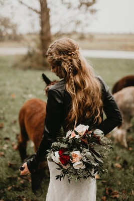 Autumn Boho Wedding on an Alpaca Farm