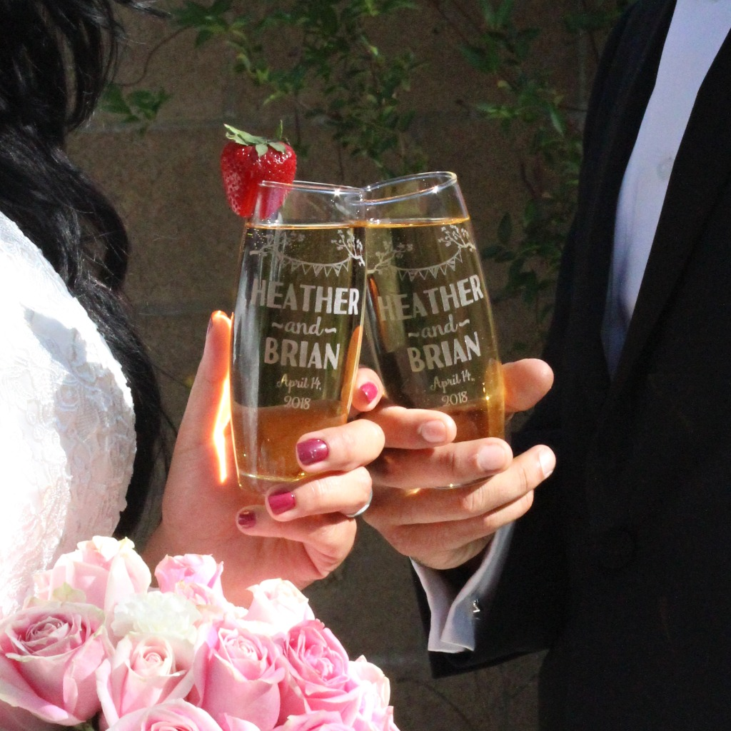 His and her, wedding stemless flutes