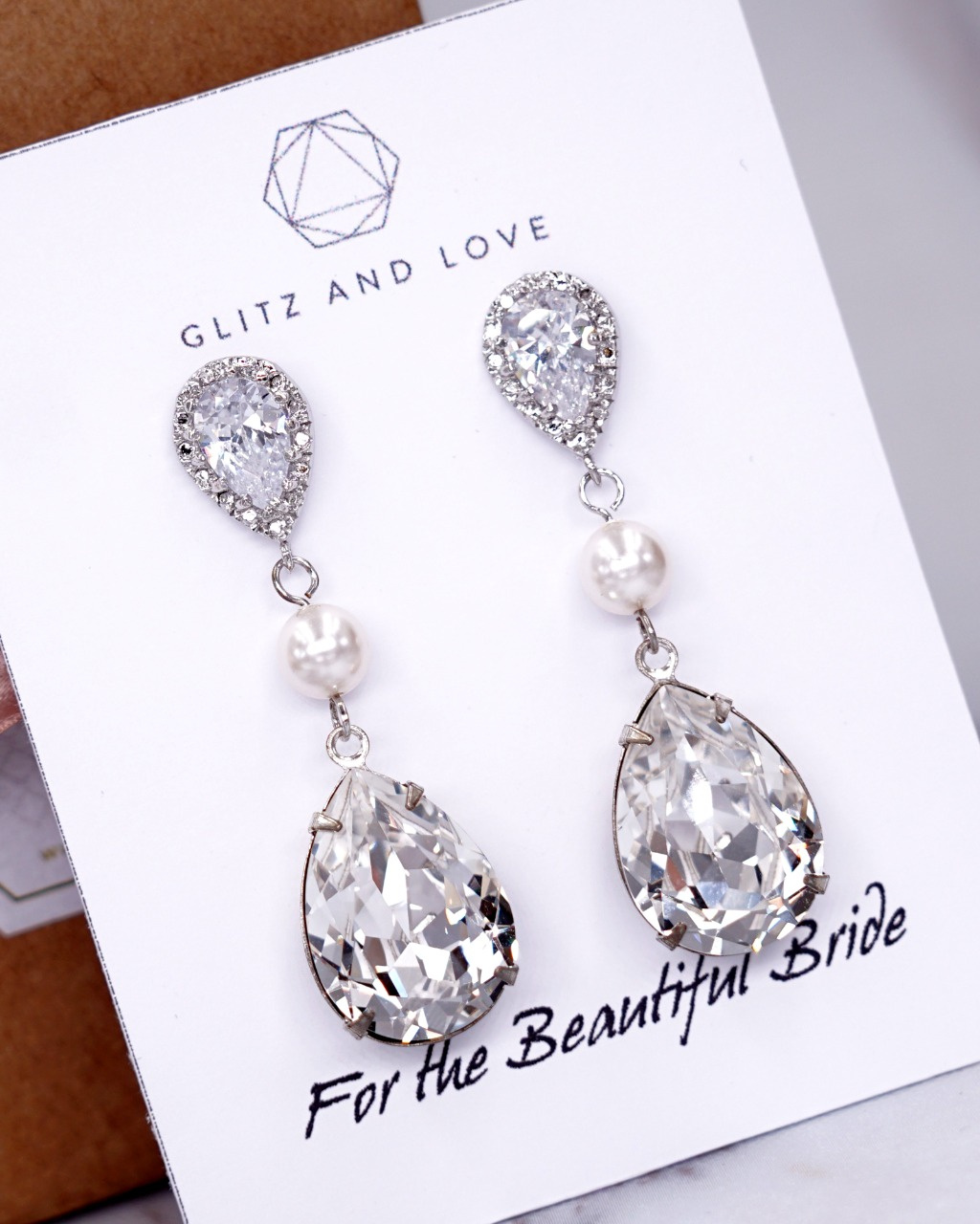 Welcome to Glitz & Love where you will find a collection of exquisite and intricately handcrafted pieces that include bridal fashion