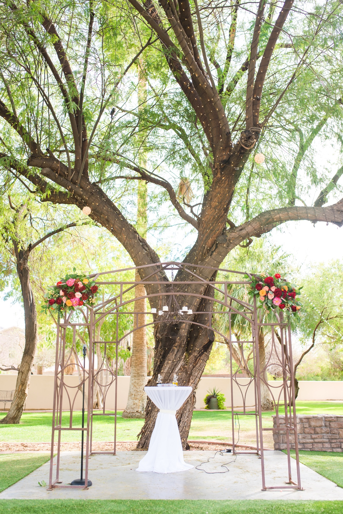 Garden ceremony decor