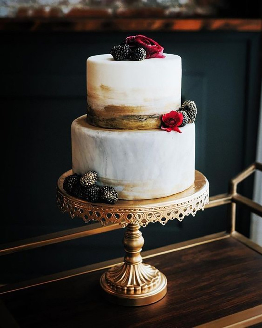 Opulent Treasures offers a gorgeous collection of wedding cake and dessert stands for your wedding day! Our treasures have been created