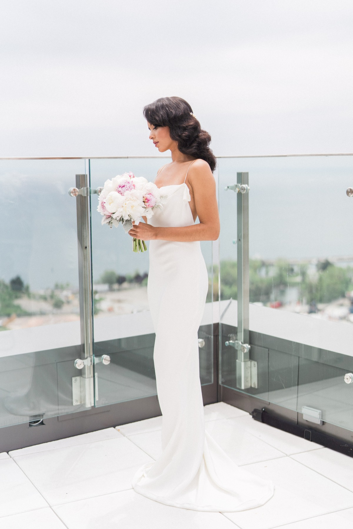 dramatic and modern bridal style