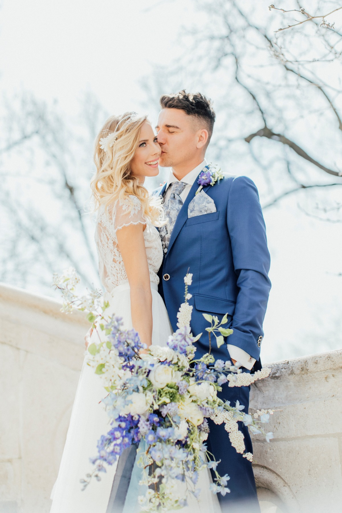 Blue and white wedding inspiration in Budapest