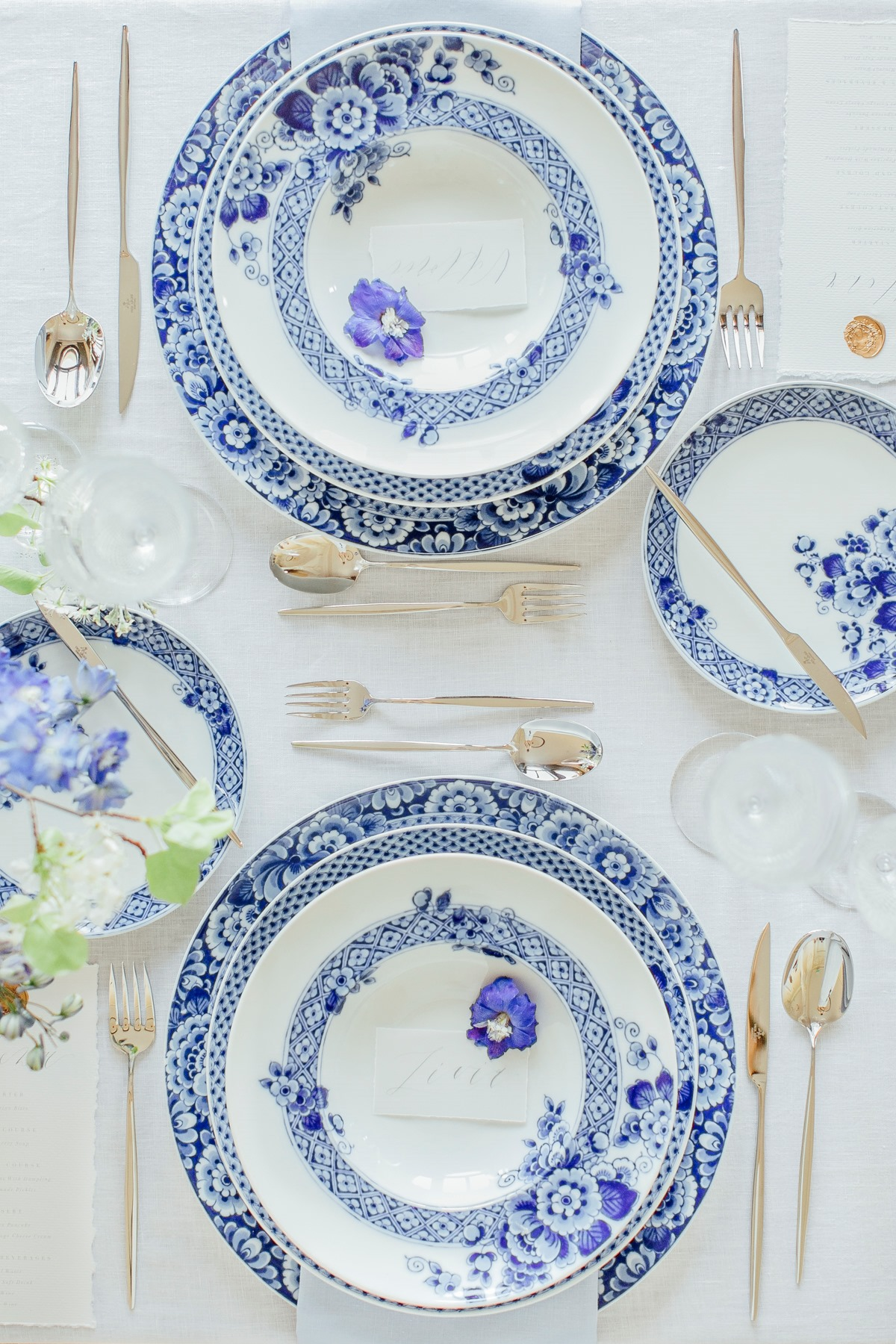 Blue and white wedding table