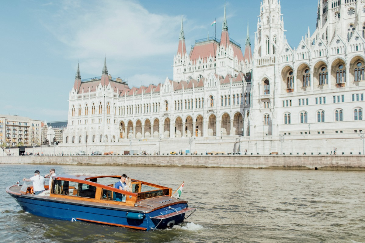 Water taxi ride for a Budapest wedding