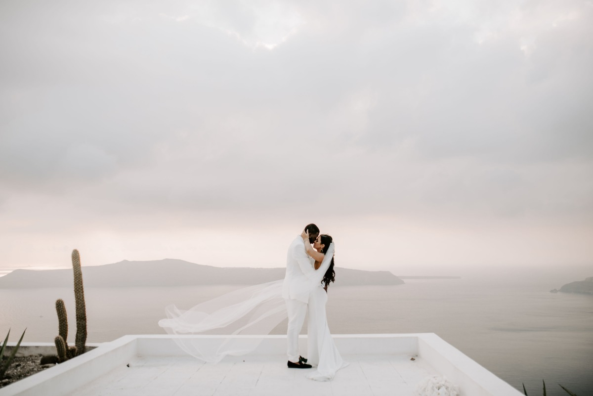Gorgeous elopement in Greece