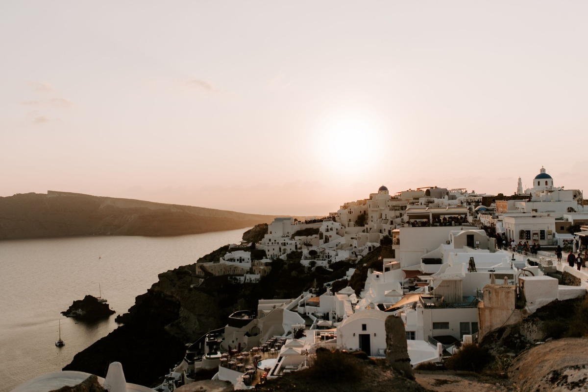 Get eloped in Santorini
